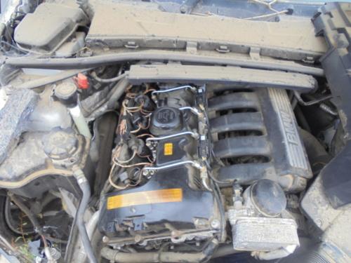 BMW 325 ENGINE (1)