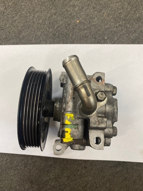 FORD TRANSIT CONNECT PS PUMP-1
