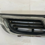 VAUXHALL VECTRA B FRONT GRILL-3